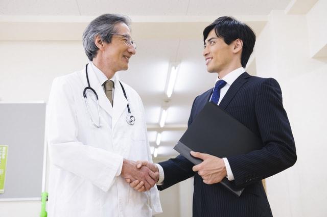 メディカルドクターと医師