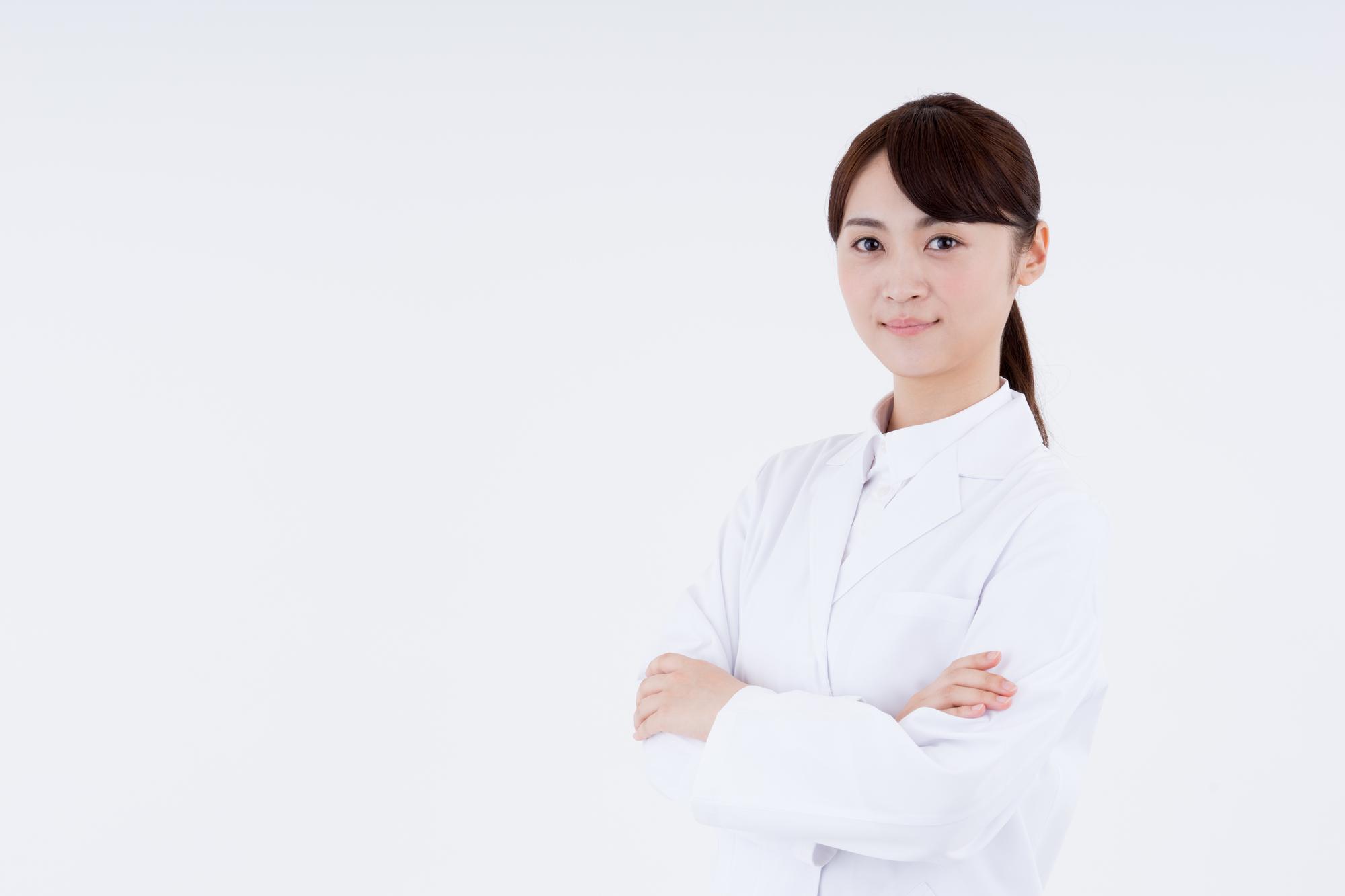 認定薬剤師とは 腕組み 資格の勉強