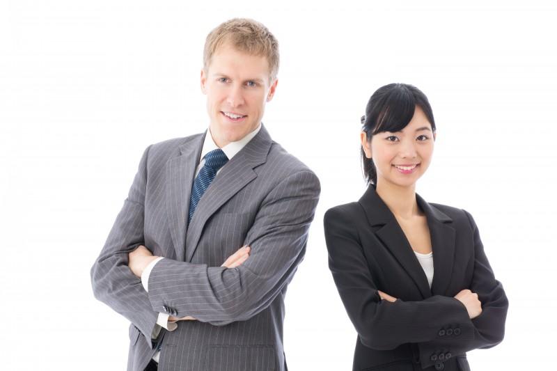 英語力を活かして仕事をする女性