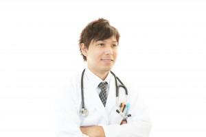 20代医師の平均年収を調べたら驚きの調査結果が…年収UP方法も紹介