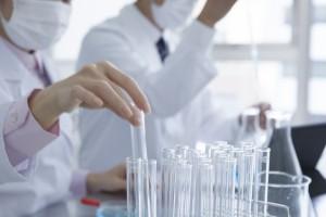 薬剤師が研究職に就くには?気になる年収・転職するための条件とは?